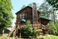 Alpine Dreamcatcher is located on Easy Street Pigeon Forge