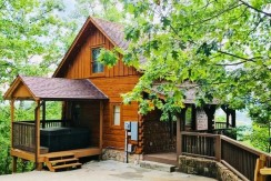 Love Shack is located on Pine Mountain Pigeon Forge