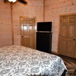 SasquatchKingBedroom2